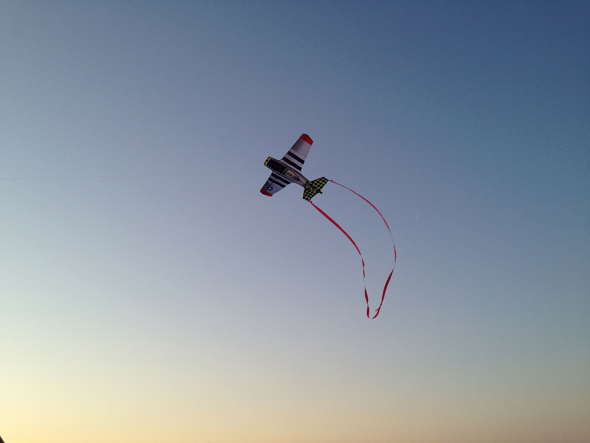 kite-197115_1920